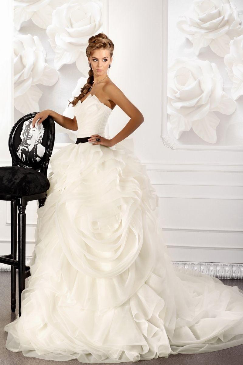 Салоны вечерней моды платья