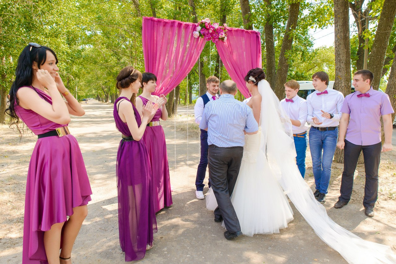 Фото девушек со свадьбы с дружкой 13 фотография